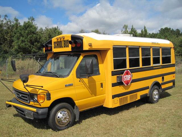 Used Norsea 27 For Sale http://www.absolutebus.com/bus-sales/used-buses-for-sale/school-bus/27-passenger/school-buses-for-sale.html